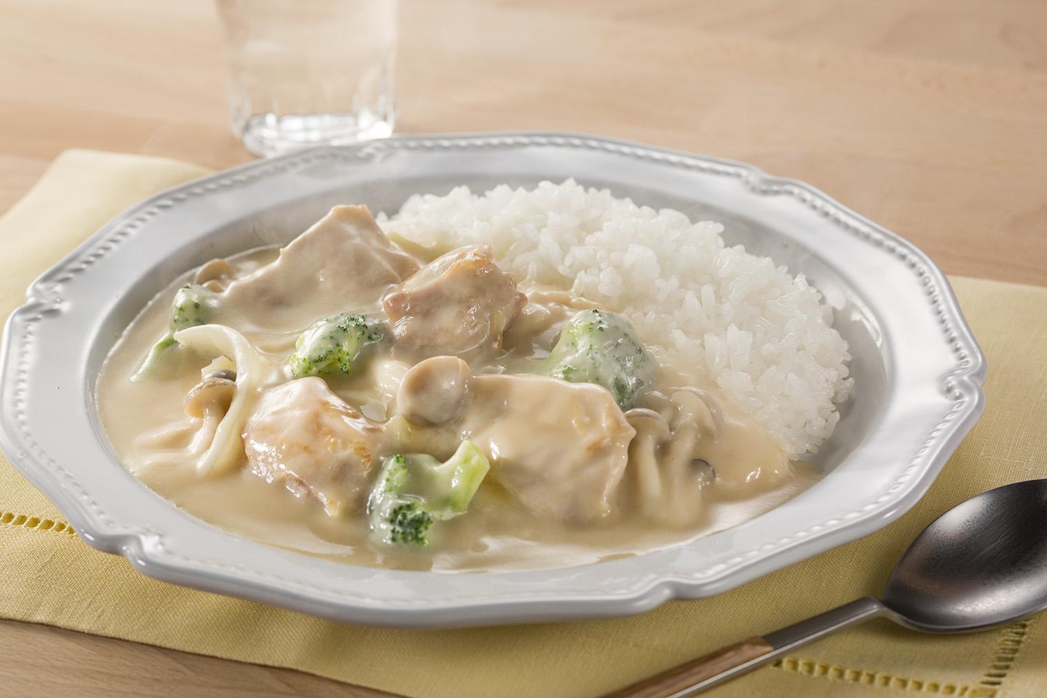 シチューライス(鶏肉のクリーム煮ライス)